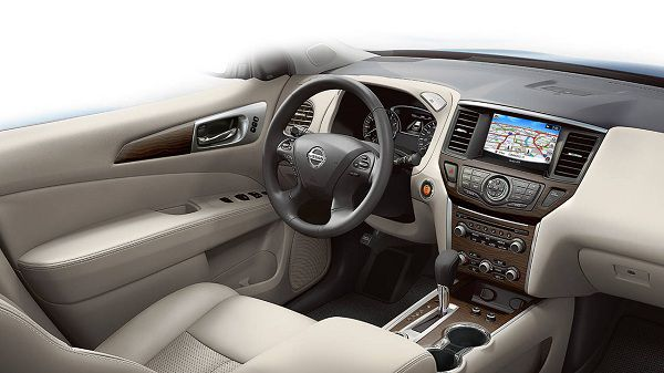 Interior of the 2017 Nissan Pathfinder