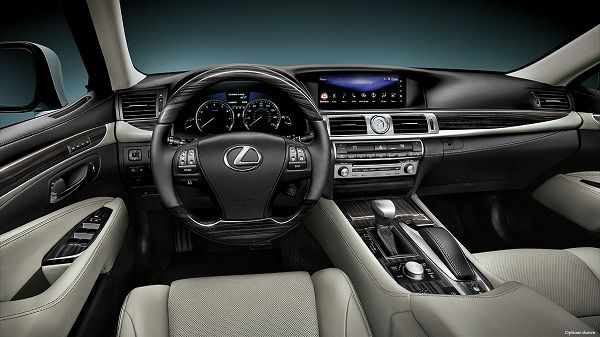 Interior of the 2017 Lexus LS