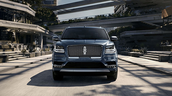 exterior of 2020 Lincoln Navigator